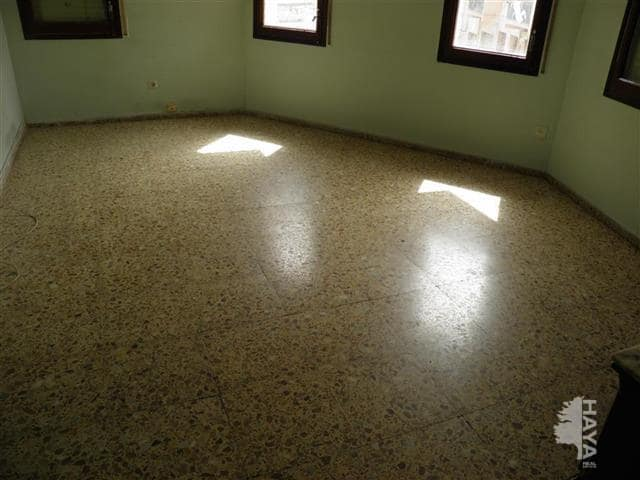 Piso en venta en Xalet del Robert, Torelló, Barcelona, Calle Pins (els), 75.900 €, 3 habitaciones, 1 baño, 85 m2