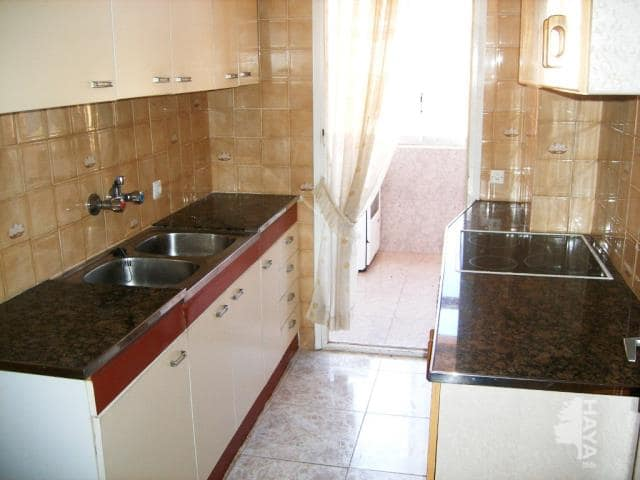 Piso en venta en Sant Jordi de Cercs, Cercs, Barcelona, Calle Joan Carles I, 68.300 €, 3 habitaciones, 1 baño, 72 m2