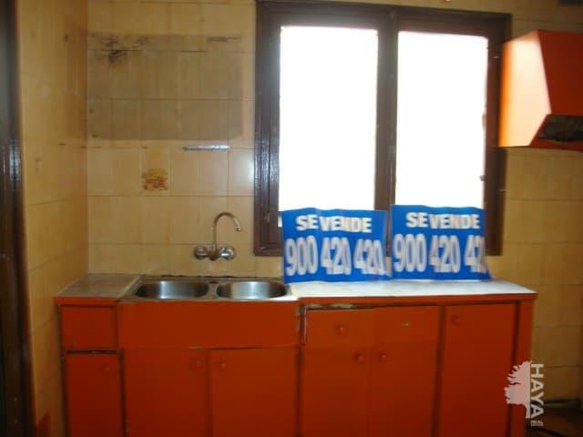 Piso en venta en Manlleu, Barcelona, Calle Pericas, 44.900 €, 3 habitaciones, 1 baño, 94 m2