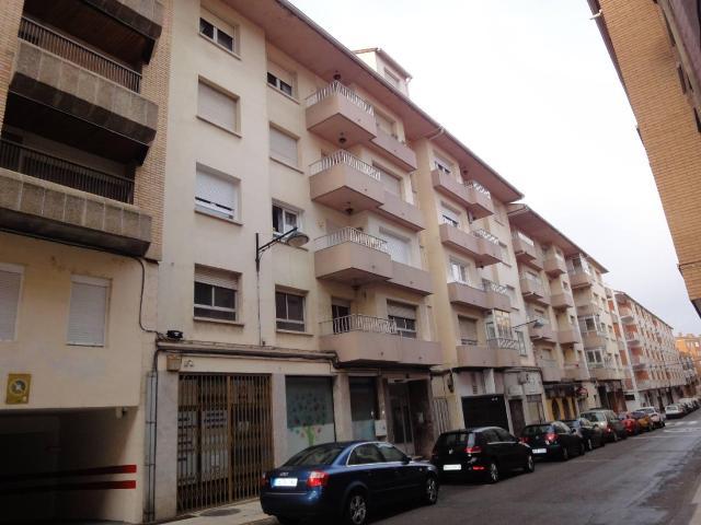 Piso en venta en Sabiñánigo, Huesca, Calle Leonardo Coli Escalona, 96.708 €, 1 habitación, 1 baño, 132 m2