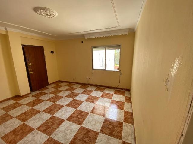 Piso en venta en Piso en Jerez de la Frontera, Cádiz, 27.000 €, 3 habitaciones, 1 baño, 77 m2