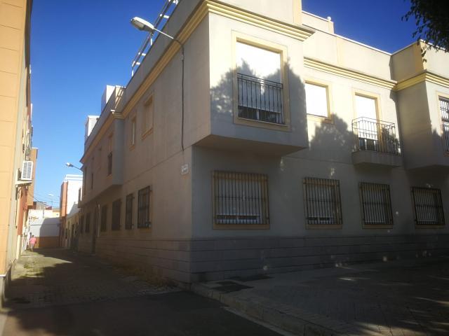 Piso en venta en Las Chocillas, Almería, Almería, Calle Casimiro, 60.000 €, 1 habitación, 1 baño, 47 m2