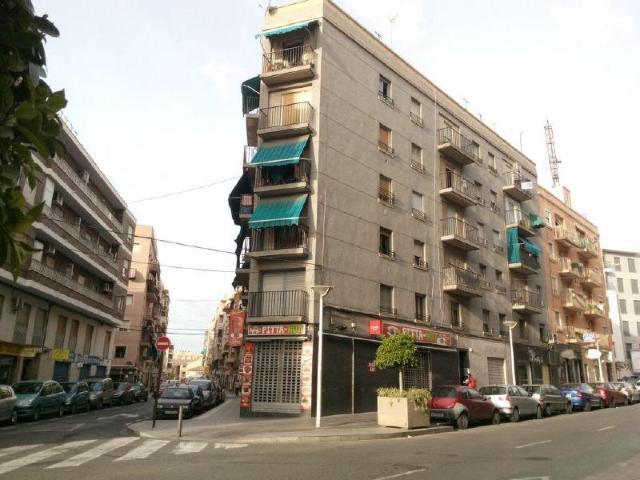 Piso en venta en Carrús Est, Elche/elx, Alicante, Calle Diagonal, 33.500 €, 3 habitaciones, 1 baño, 70 m2