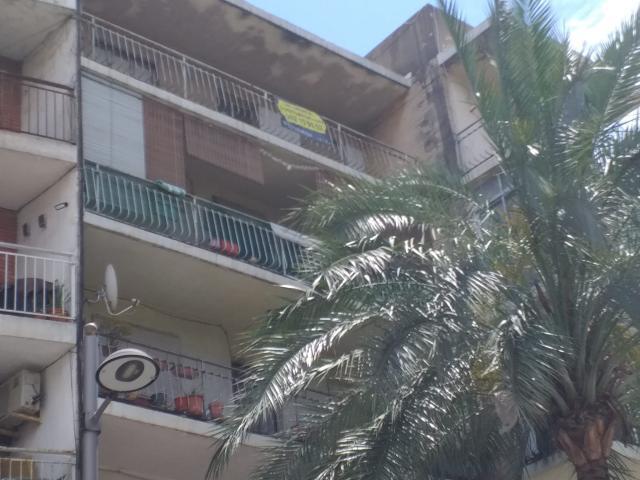 Piso en venta en Gandia, Valencia, Plaza Sanz Y Fores, 55.000 €, 4 habitaciones, 1 baño, 113 m2