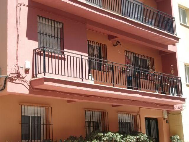 Piso en venta en Centro, Málaga, Málaga, Calle Miguel Bueno Lara, 158.000 €, 4 habitaciones, 1 baño, 108 m2