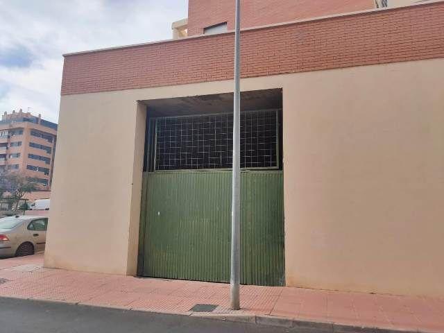 Local en venta en Almería, Almería, Calle la Chumbera, 180.000 €, 1583 m2