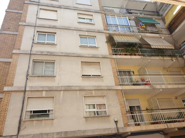 Piso en venta en Gandia, Valencia, Calle Ferrocarril Alcoi, 59.000 €, 1 baño, 91 m2