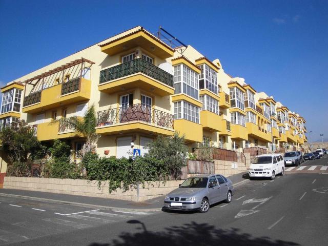 Piso en venta en El Salto, Granadilla de Abona, Santa Cruz de Tenerife, Calle Jose Ventura San Isidro, 99.000 €, 2 habitaciones, 1 baño, 111 m2