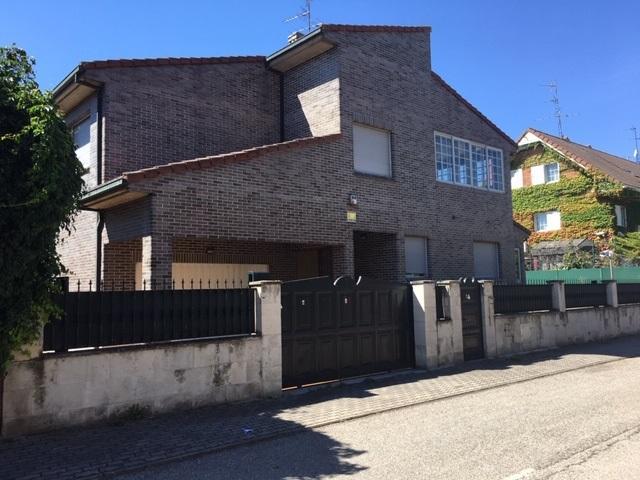 Casa en venta en La Castellana, Burgos, Burgos, Calle Espinosa de los Monteros, 854.900 €, 4 habitaciones, 4 baños, 487 m2