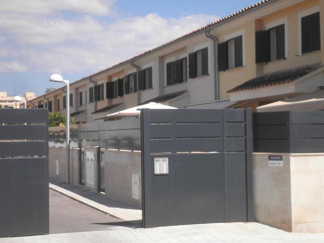 Casa en venta en Casa en Palma de Mallorca, Baleares, 439.000 €, 4 habitaciones, 3 baños, 215 m2