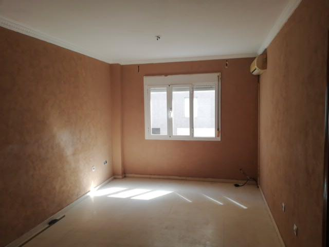 Piso en venta en Piso en Algeciras, Cádiz, 50.600 €, 3 habitaciones, 1 baño, 81 m2