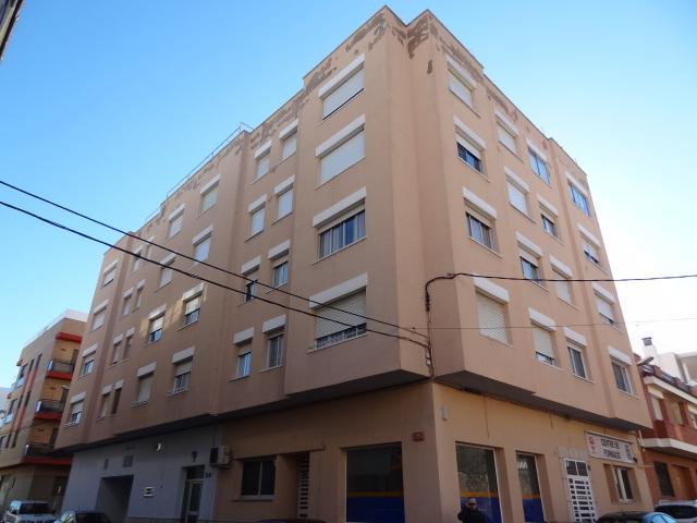 Piso en venta en Mas de Miralles, Amposta, Tarragona, Calle Gongora, 46.900 €, 4 habitaciones, 1 baño, 114 m2