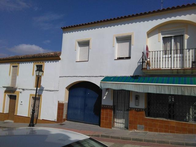 Casa en venta en Rosal de la Frontera, Rosal de la Frontera, Huelva, Calle Cordoba, 83.700 €, 4 habitaciones, 2 baños, 240 m2
