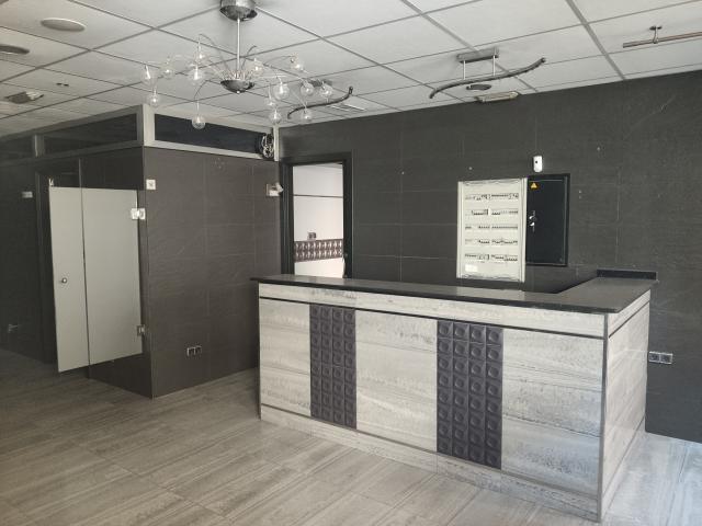 Local en venta en Esquibien, Motril, Granada, Calle Rio Tajo, 161.200 €, 302 m2