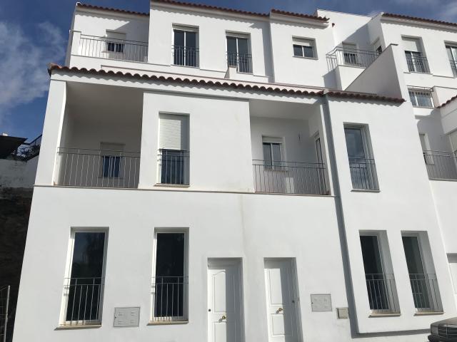 Piso en venta en Sanlúcar de Guadiana, Huelva, Avenida Portugal, 64.400 €, 3 habitaciones, 2 baños, 112 m2