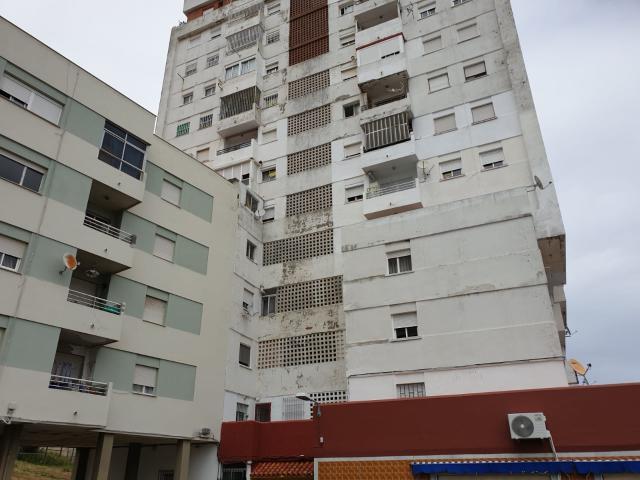 Piso en venta en Algeciras, Cádiz, Calle Federico Garcia Lorca, 29.500 €, 2 habitaciones, 1 baño, 85 m2