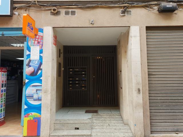 Piso en venta en Salt, Girona, Calle Doctor Ferran, 54.000 €, 3 habitaciones, 2 baños, 72 m2