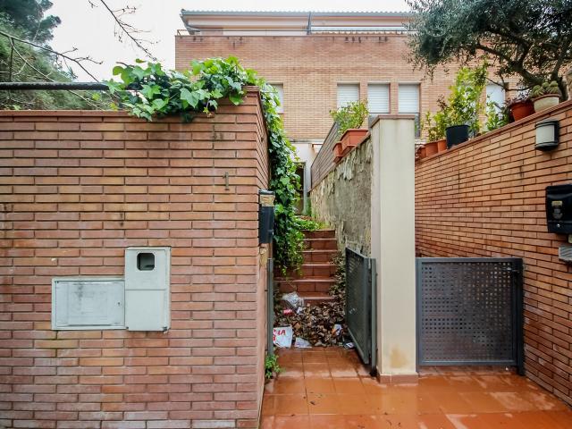 Casa en venta en Calella, Barcelona, Calle Enric Teixido I Salva, 275.100 €, 4 habitaciones, 2 baños, 206 m2