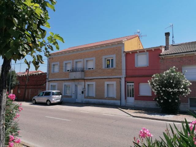 Piso en venta en Valdestillas, Valladolid, Avenida Esperanza, 51.800 €, 3 habitaciones, 1 baño, 82 m2