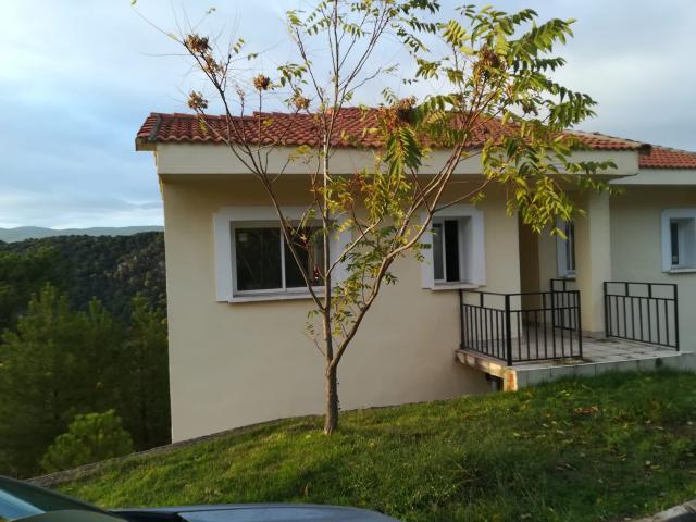 Casa en venta en Cadalso de los Vidrios, Madrid, Calle Fuente Lasna, 97.000 €, 4 habitaciones, 2 baños, 154 m2