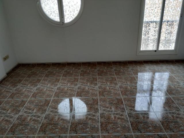 Piso en venta en Puerto del Rosario, Las Palmas, Calle Guanarteme, 72.500 €, 6 habitaciones, 2 baños, 70 m2