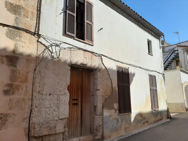 Casa en venta en Muro, Baleares, Calle Guillem Ballester I Cerdo, 195.000 €, 4 habitaciones, 2 baños, 283 m2
