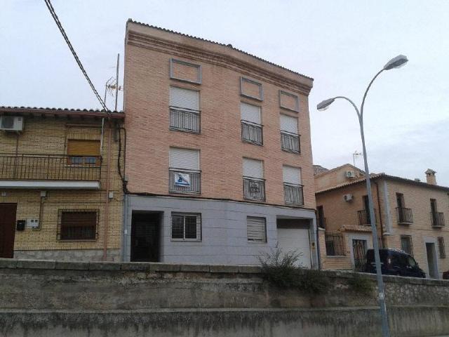 Piso en venta en Bargas, Toledo, Calle Iglesia, 79.000 €, 3 habitaciones, 2 baños, 136 m2