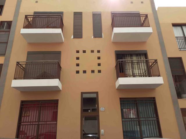Piso en venta en Granadilla de Abona, Santa Cruz de Tenerife, Calle Isla de la Palma, 125.000 €, 3 habitaciones, 3 baños, 118 m2