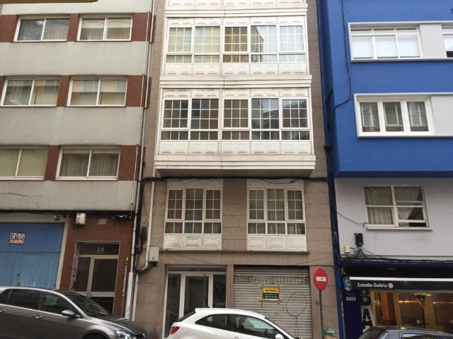 Local en venta en A Coruña, A Coruña, Calle Juan Castro Mosquera, 49.500 €, 77 m2