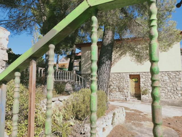 Casa en venta en Albalate de Zorita, Guadalajara, Urbanización Nueva Sierra, 95.000 €, 5 habitaciones, 3 baños, 160 m2
