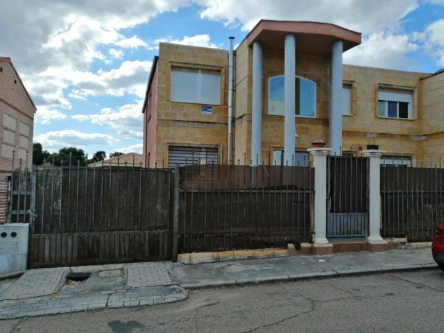 Casa en venta en Méntrida, Toledo, Avenida Onu, 160.000 €, 1 habitación, 1 baño, 270 m2