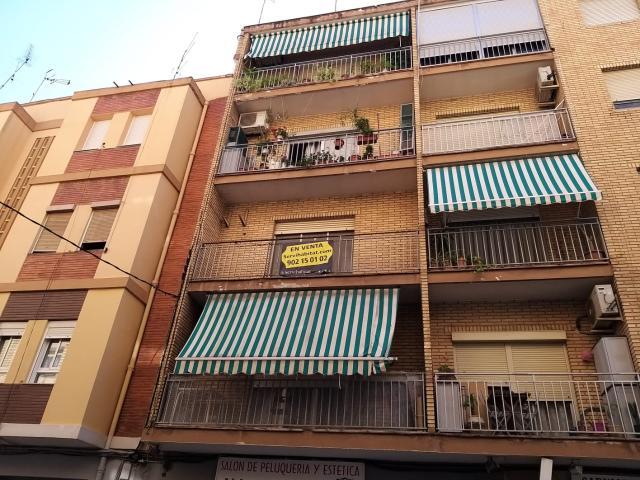 Piso en venta en Aldaia, Valencia, Calle Virgen del Remedio, 65.000 €, 4 habitaciones, 1 baño, 104 m2