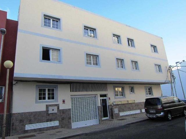 Piso en venta en Puerto del Rosario, Las Palmas, Calle Zaragoza, 79.100 €, 3 habitaciones, 1 baño, 85 m2