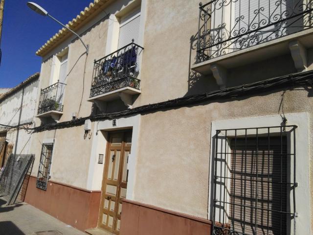 Piso en venta en Valdepeñas, Ciudad Real, Calle Cruces, 43.500 €, 1 baño, 78 m2