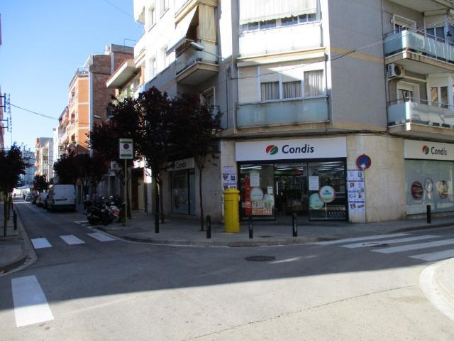 Local en venta en Cornellà de Llobregat, Barcelona, Calle San Jeronimo, 331.400 €, 156 m2
