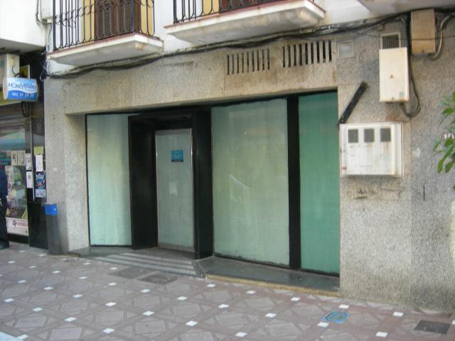 Local en venta en La Línea de la Concepción, Cádiz, Calle Doctor Villar, 181.600 €, 123 m2