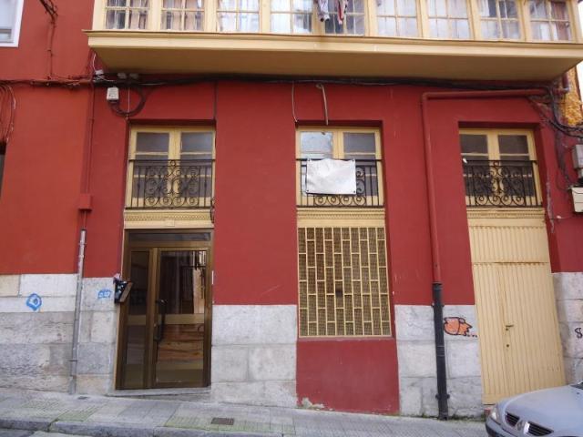 Piso en venta en Santander, Cantabria, Calle Enseñanza, 68.000 €, 4 habitaciones, 1 baño, 74 m2