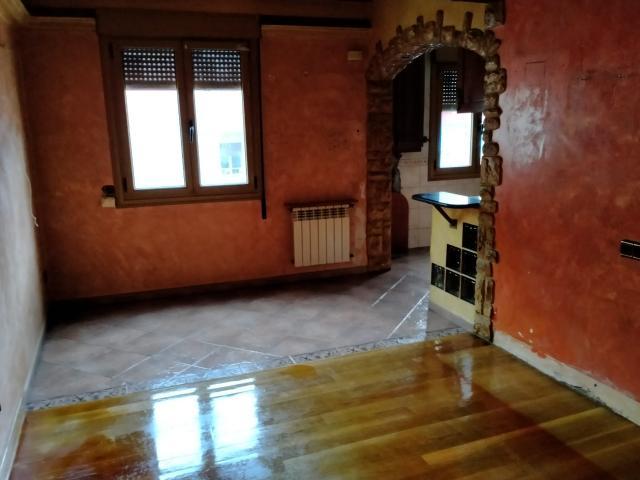 Piso en venta en Eibar, Guipúzcoa, Calle San Kristobal, 121.000 €, 3 habitaciones, 1 baño, 85 m2