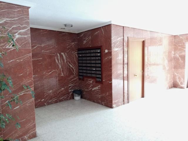 Piso en venta en Distrito Macarena, Sevilla, Sevilla, Avenida Trabajadores Inmigrantes, 88.400 €, 6 habitaciones, 2 baños, 89 m2
