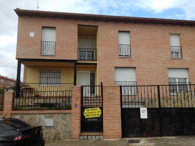 Casa en venta en Villanueva de la Torre, Guadalajara, Calle Valdeserrano, 209.000 €, 3 habitaciones, 248 m2