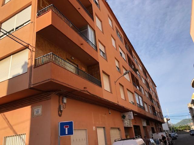 Piso en venta en La Font D`en Carròs, la Font D`en Carròs, Valencia, Calle 9 de Octubre, 59.500 €, 4 habitaciones, 2 baños, 143 m2