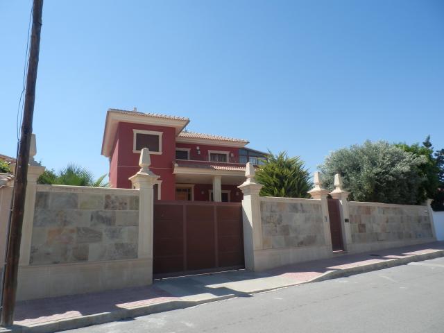 Casa en venta en Ciudad Quesada, Rojales, Alicante, Calle Rosas, 448.500 €, 4 habitaciones, 5 baños, 332 m2