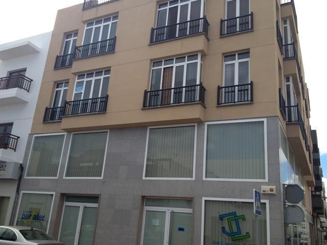 Piso en venta en La Vega, Arrecife, Las Palmas, Calle Jose Ortega Y Gasset, 118.500 €, 2 habitaciones, 2 baños, 85 m2
