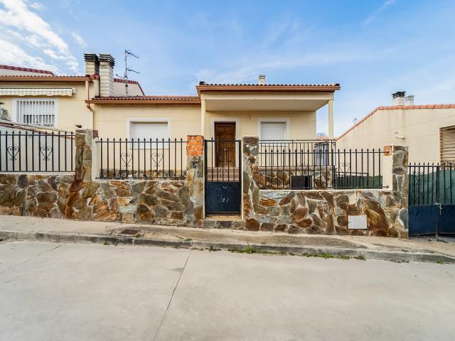 Casa en venta en Espinosa de Henares, Espinosa de Henares, Guadalajara, Calle Fresno, 80.000 €, 7 habitaciones, 2 baños, 188 m2