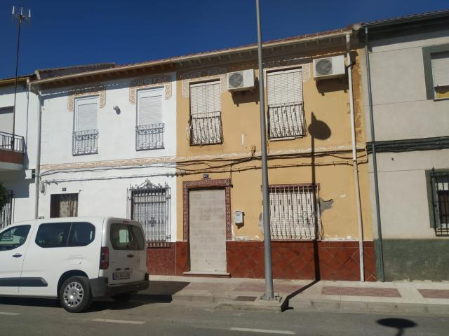 Casa en venta en Fuente Vaqueros, Fuente Vaqueros, Granada, Calle Andalucia, 39.200 €, 4 habitaciones, 175 m2