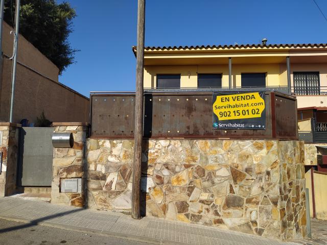 Casa en venta en Sant Celoni, Barcelona, Calle Aribau, 275.000 €, 4 habitaciones, 212 m2