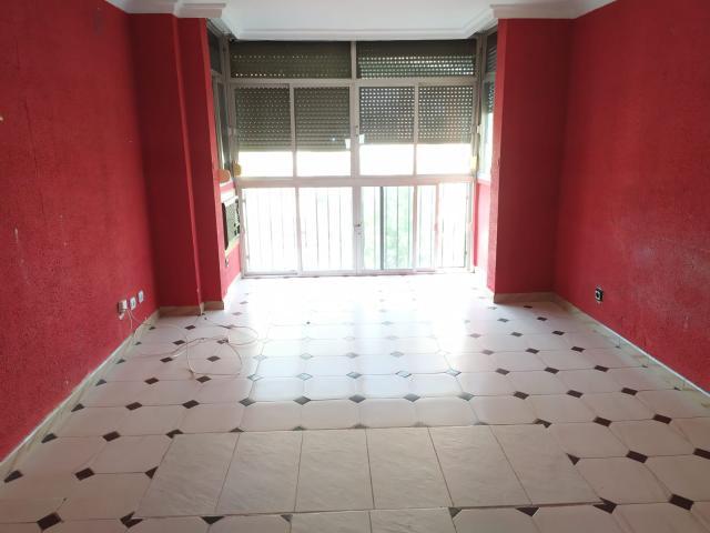 Piso en venta en Sevilla, Sevilla, Calle Calle Almazareros, 91.200 €, 3 habitaciones, 81 m2