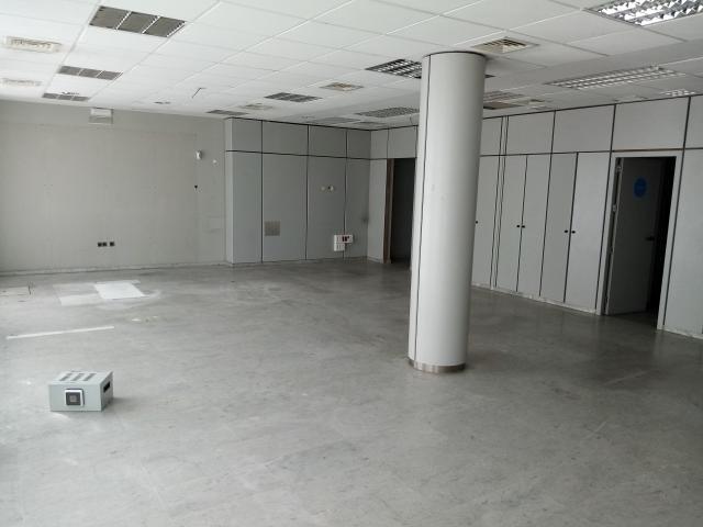Local en venta en Distrito Cerro-amate, Sevilla, Sevilla, Calle Ocho de Marzo, 184.300 €, 174 m2