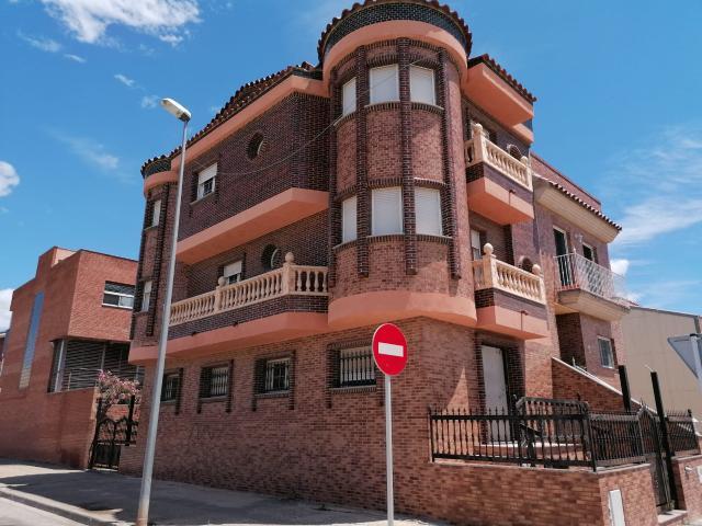 Piso en venta en Mas de Miralles, Amposta, Tarragona, Calle la Palmas, 194.500 €, 6 habitaciones, 4 baños, 217 m2