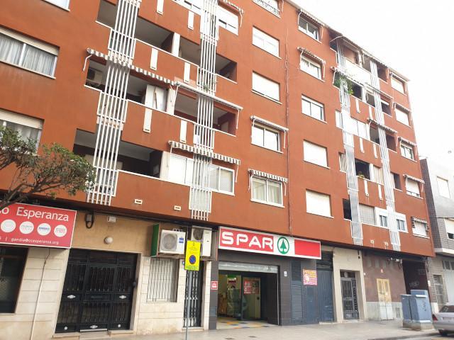 Piso en venta en Gandia, Valencia, Calle Abat Sola, 69.154 €, 3 habitaciones, 1 baño, 137 m2